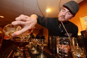 383 Woodford Bartender Manhattan Contest_sm