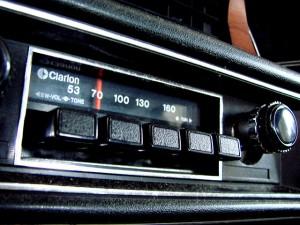 old-car-radio
