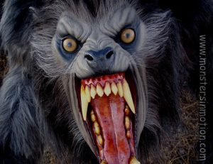 american-werewolf-in-london-lifesize-2
