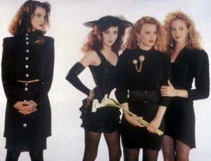 heathers-shannen-doherty-winona-ryder-image-110017