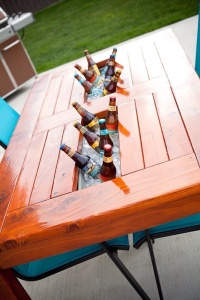 diy-wood-patio-table-w-built-in-beer-wine-cooler