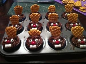 beaver-cupcakes