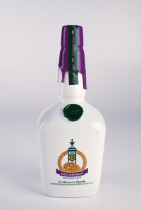 Maker's Mark Breeders' Cup bottle